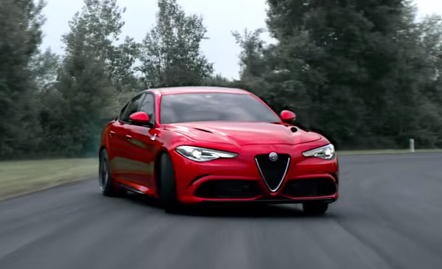 Alfa Romeo Giulia Άκου ΚΑΘΑΡΑ τον μπάσο ήχο της Giulia alfa romeo, Alfa Romeo Giulia QV, video, videos, zblog