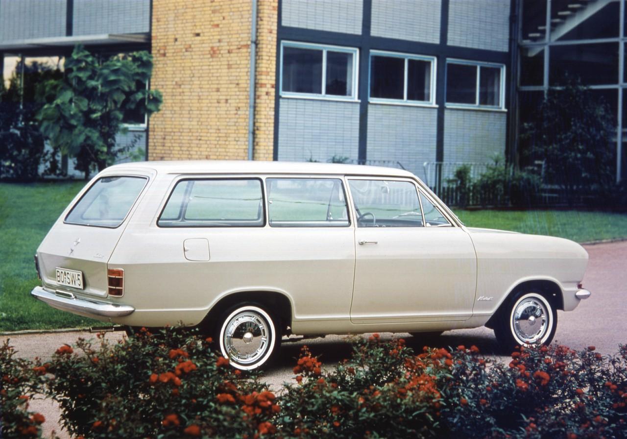 cq5dam.web .1280.1280252812529 Το Kadett B γιόρτασε τα 50 Χρόνια του Opel, Opel Kadett, Opel Kadett B, Opel Kadett. Das Auto