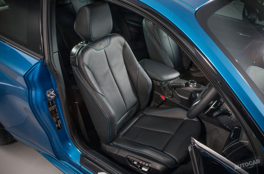 bmw m2 kathismata H BMW M2 είναι ο (άξιος) διάδοχος της 2002 turbo και της Ε30 μαζί BMW, BMW 2002 turbo, BMW M2, BMW M3 E30, videos, zblog, φωτογραφίες