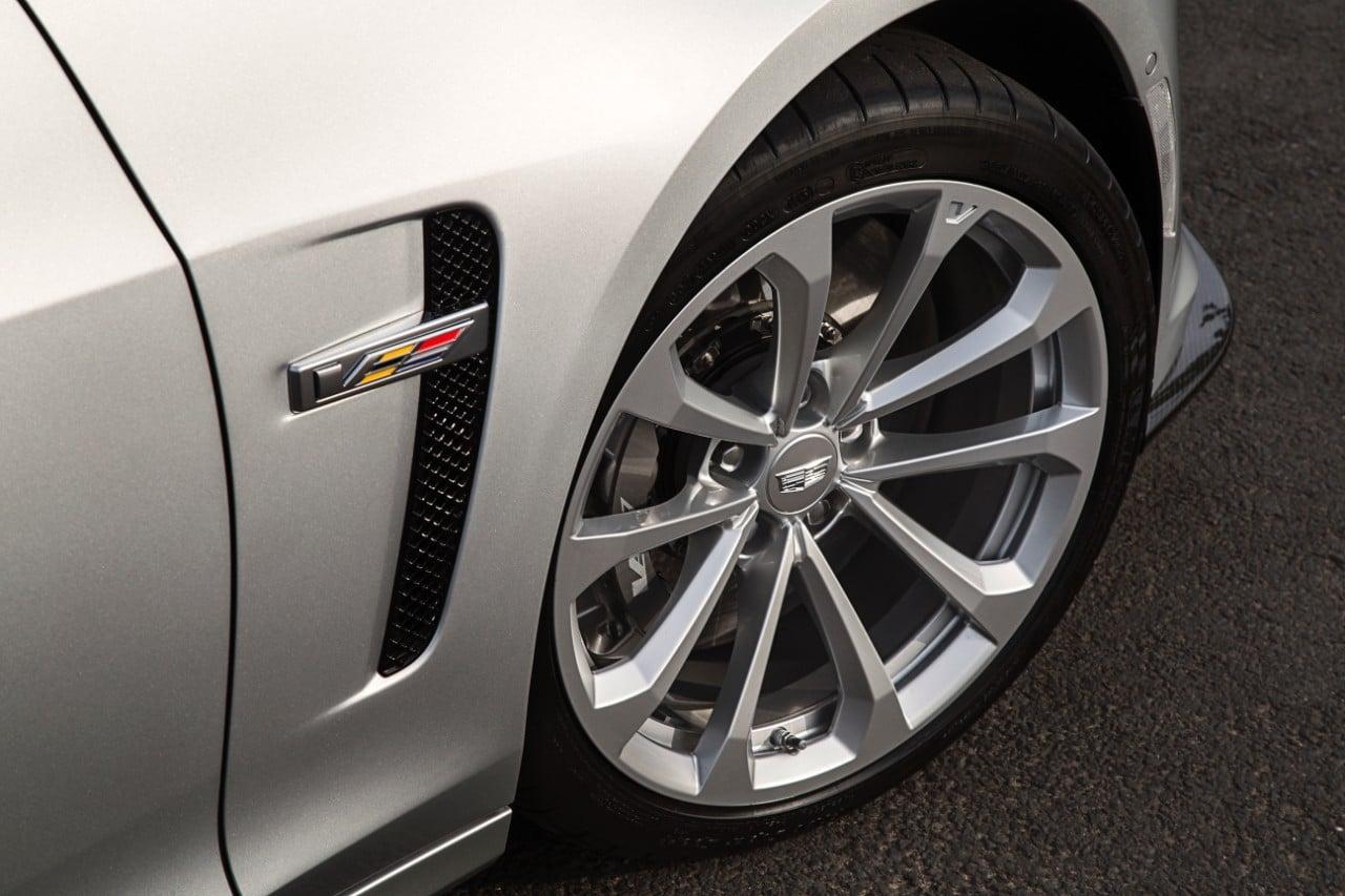cq5dam.web .1280.12802528222529 Με 649 άλογα η Cadillac CTS-V έρχεται στην Ευρώπη για ατελείωτα burnouts burnout, Cadillac, Cadillac CTS, Cadillac CTS-V, Muscle cars, videos, zblog