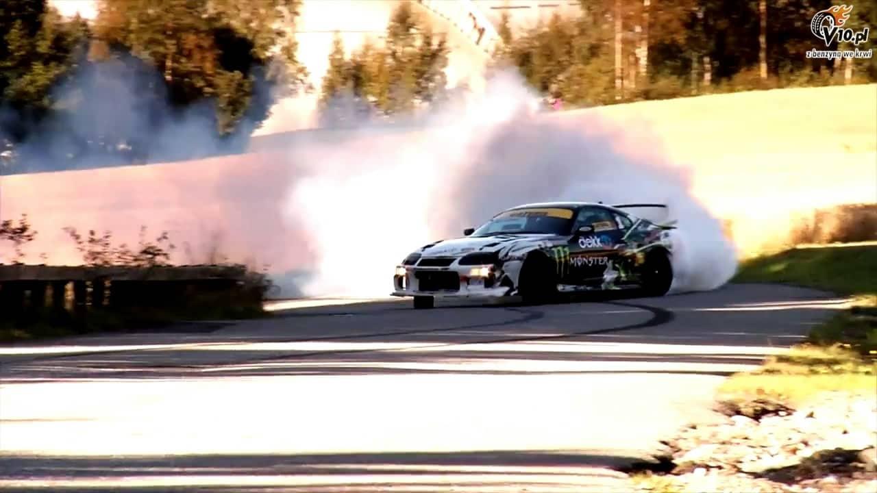 kenneth moen Οι drifters με τις Supra δημιουργούν τα σύννεφα drift, Drifter, Toyota, Toyota Supra, videos
