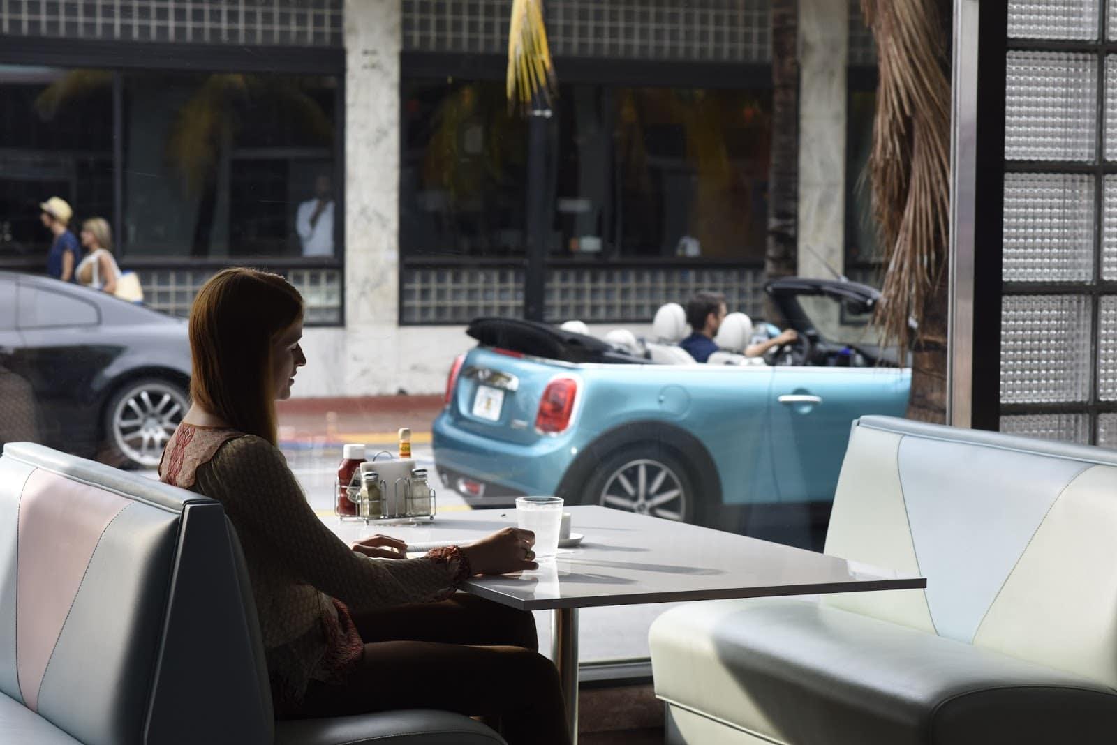 P90209648 highRes jake and the new min Με μία ταινία μικρού μήκους διαφημίζεται το νέο MINI Cabrio Advertorial, videos, Μινι, ΜΙΝΙ Cabrio