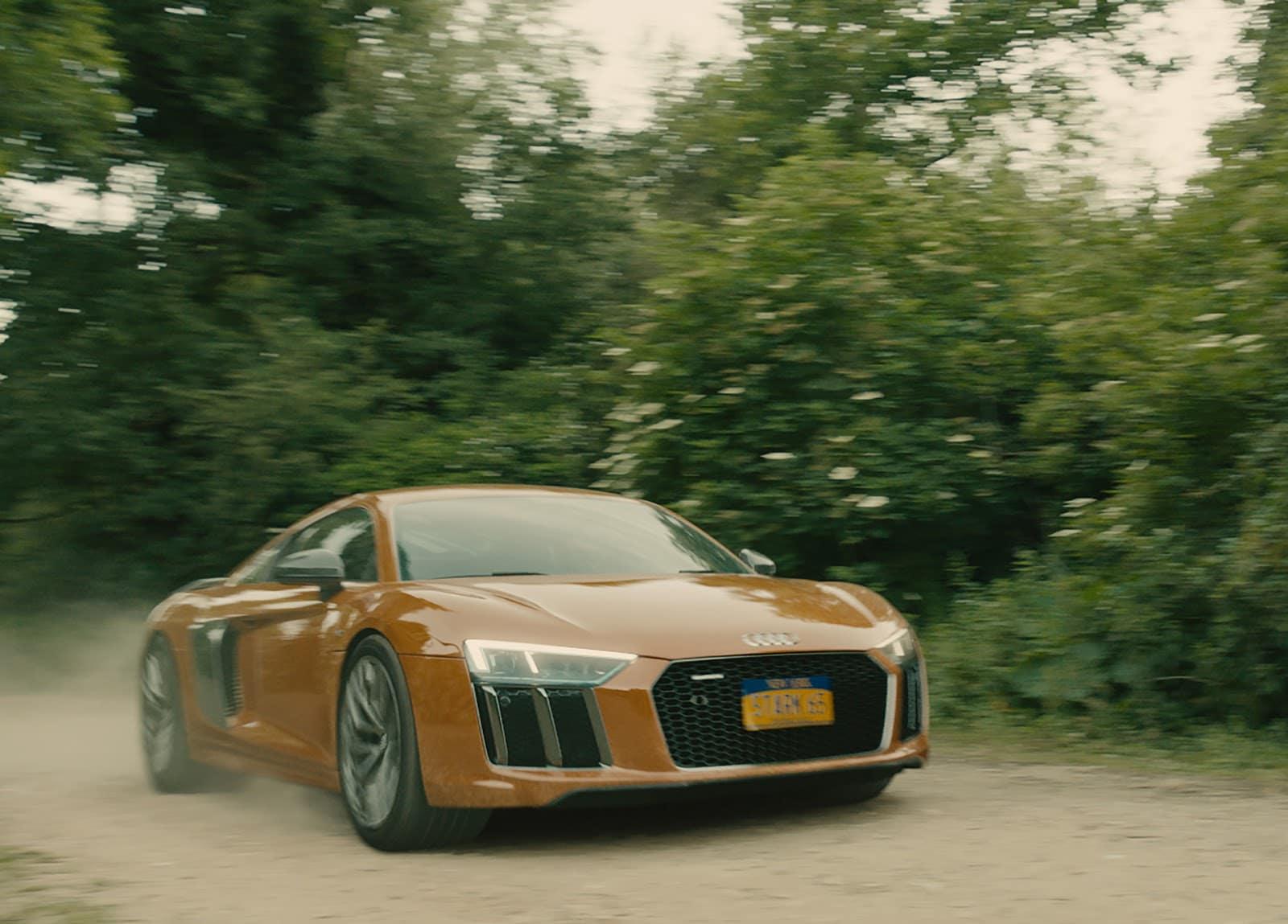 Tony Stark drives the new Audi R8 in Avengers Age of Ultron Απονέμουμε τα Όσκαρ αυτοκινήτου Fun, Jaguar C-X75, LYKAN HYPERSPORT, movie cars, videos, zblog