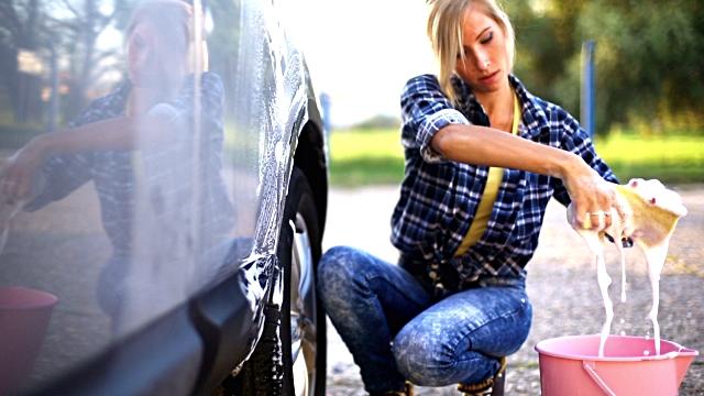 519456945 Πώς να καθαρίσετε με φυσικό τρόπο τα καθίσματα του αυτοκινήτου
