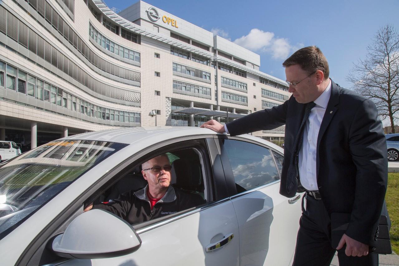 cq5dam.web .1280.12802B252842529 2 Το Opel Insignia 1.6 CDTI ecoFLEX έσπάσε το φράγμα των 2.000 km με ένα ρεζερβουάρ καυσίμου economy, Opel, Opel Insignia, Opel Insignia 1.6 CDTI ecoFLEX, sedan, Ρεκόρ