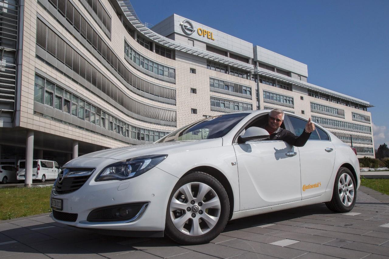 cq5dam.web .1280.12802B252852529 1 Το Opel Insignia 1.6 CDTI ecoFLEX έσπάσε το φράγμα των 2.000 km με ένα ρεζερβουάρ καυσίμου economy, Opel, Opel Insignia, Opel Insignia 1.6 CDTI ecoFLEX, sedan, Ρεκόρ