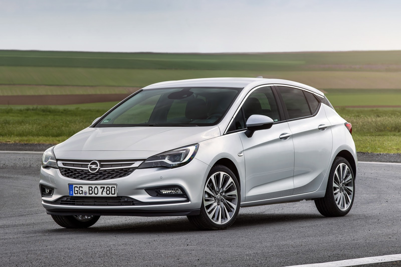 Opel Astra BiTurbo 5 door 301326 Το καυτό Opel Astra BiTurbo diesel συνδυάζει τις επιδόσεις με την οικονομία! Hatchback, Opel, Opel Astra, Opel Astra BiTurbo, Opel Astra BiTurbo Hatchback, twin-turbo