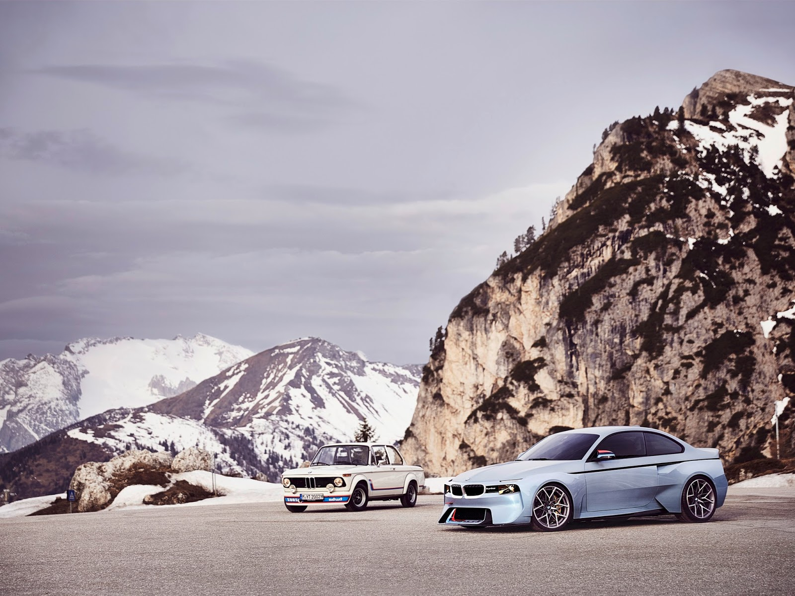 P90219724 highRes bmw 2002 hommage 05 1 2 H BMW γιορτάζει τα 50 χρόνια της θρυλικής 2002 turbo και παρουσιάζει την Bmw 2002 Hommage BMW, BMW 2002, BMW 2002 turbo, BMW Concept, BMW Hommage, supercars, videos
