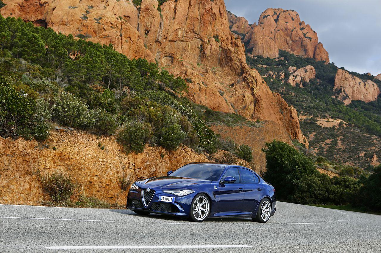Alfa Romeo Giulia Quadrifoglio 13 Πόσο κοστίζει η Alfa Romeo Giulia στην Ελλάδα Alfa Romeo Giulia, Alfa Romeo Giulia QV