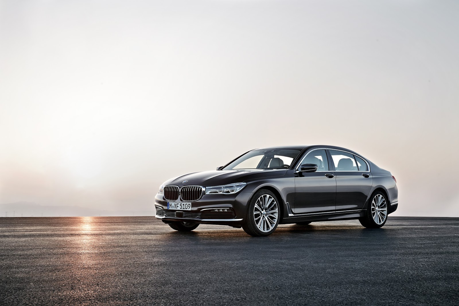 P90178449 highRes the new bmw 7 series