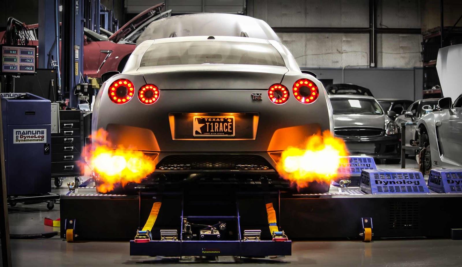 Nissan2BGT R Δες ένα Nissan GT-R 2000 ίππων να χάνει τον έλεγχο στα 350 χ.α.ω!
