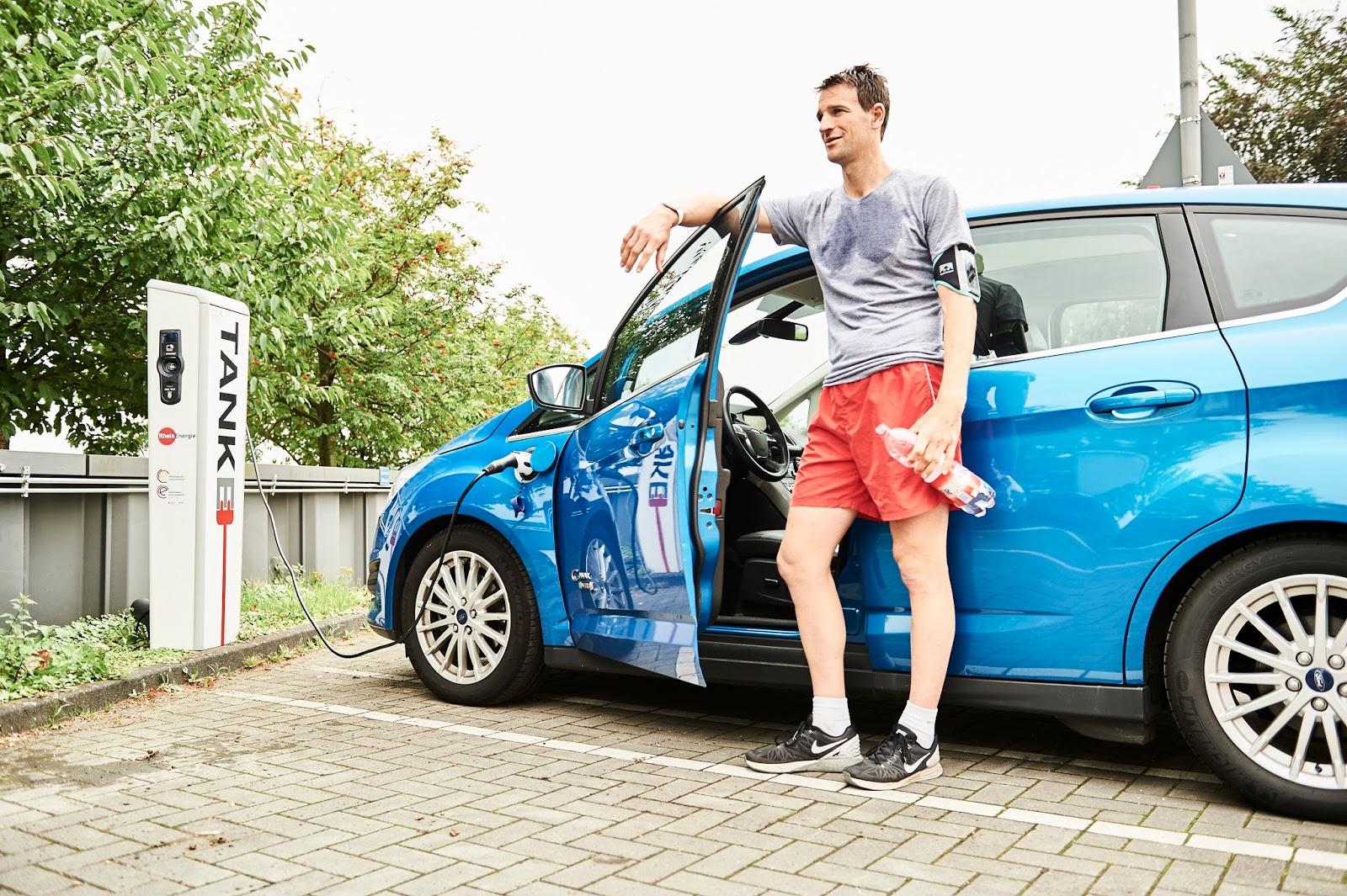 12 MyFordMobile charging Χρησιμοποιείστε το smartwatch σας για να τσεκάρετε το ηλεκτρικό σας αυτοκίνητο Ford Android Auto, Apple CarPlay, Electric cars, Ford, videos, Τεχνολογία