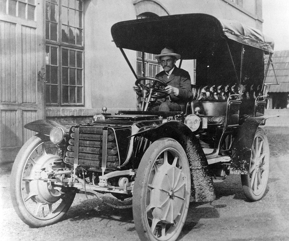 1903 lohner porsche hybrid copyright porsche Η μέρα που γεννήθηκε ο Porsche Classic, Porsche, VW Beetle, zblog, Προσωπικότητες