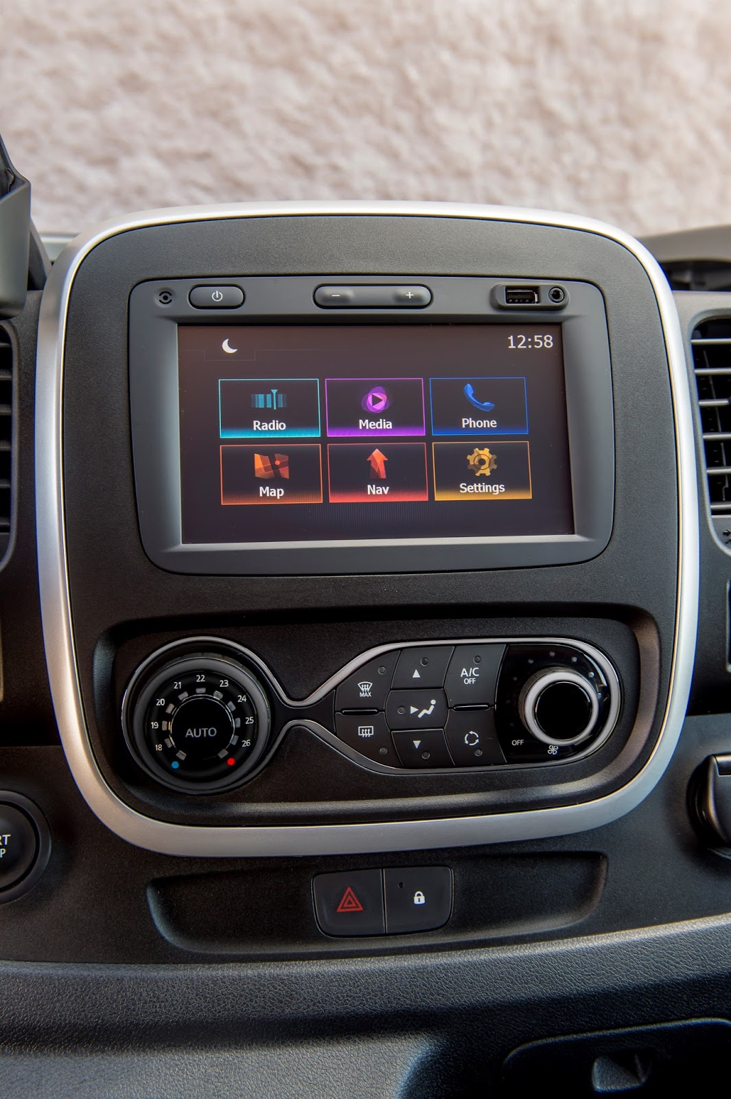 426150099 Nissan NV300 Van Παγκόσμιο ντεμπούτο για το νέο Nissan NV300 Nissan, Nissan NV, Nissan NV300, Nissan NV400, VAN, videos, Επαγγελματικά