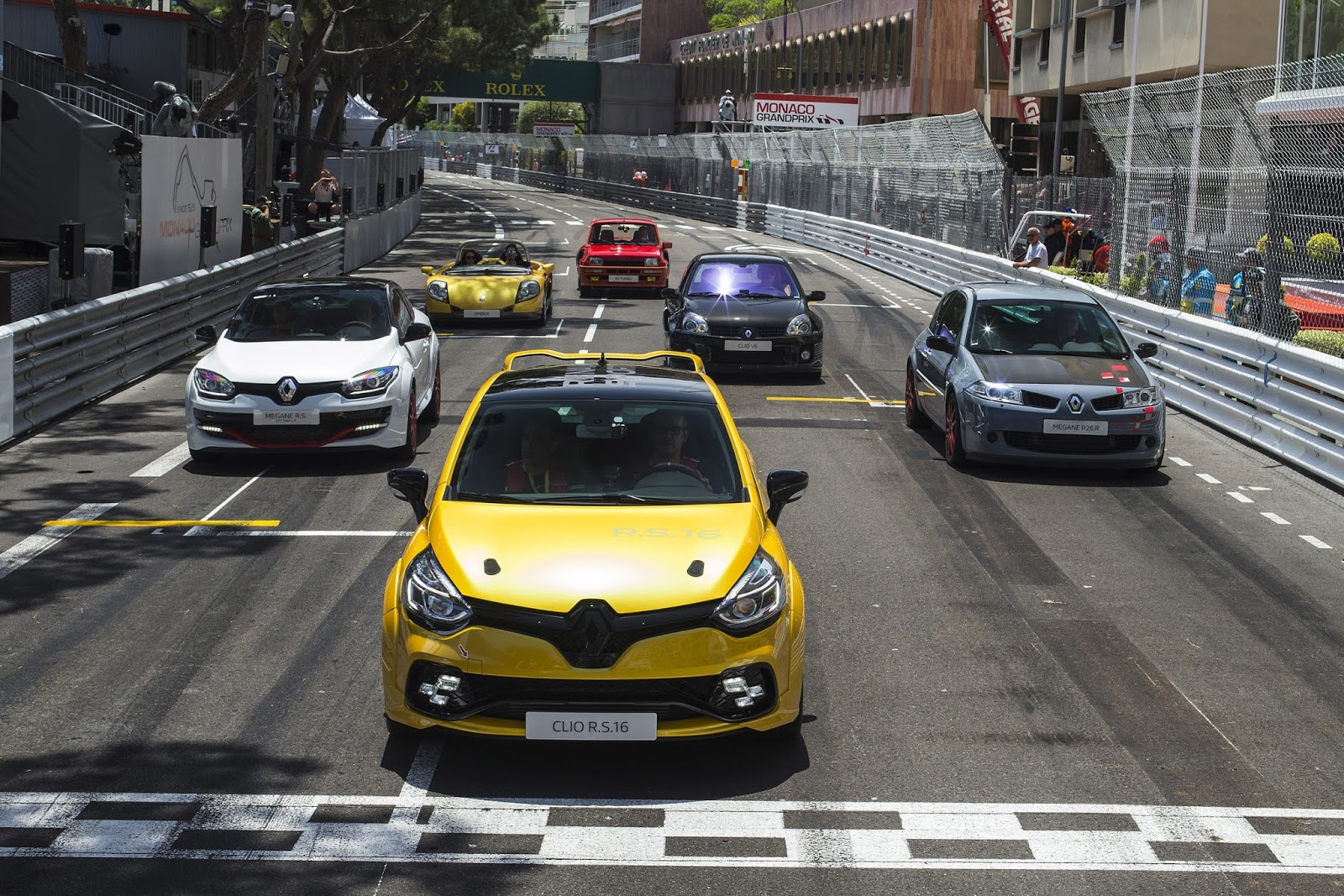 CLIO2BRS16 Το Renault Clio RS16 έχει ψυχή από F1!