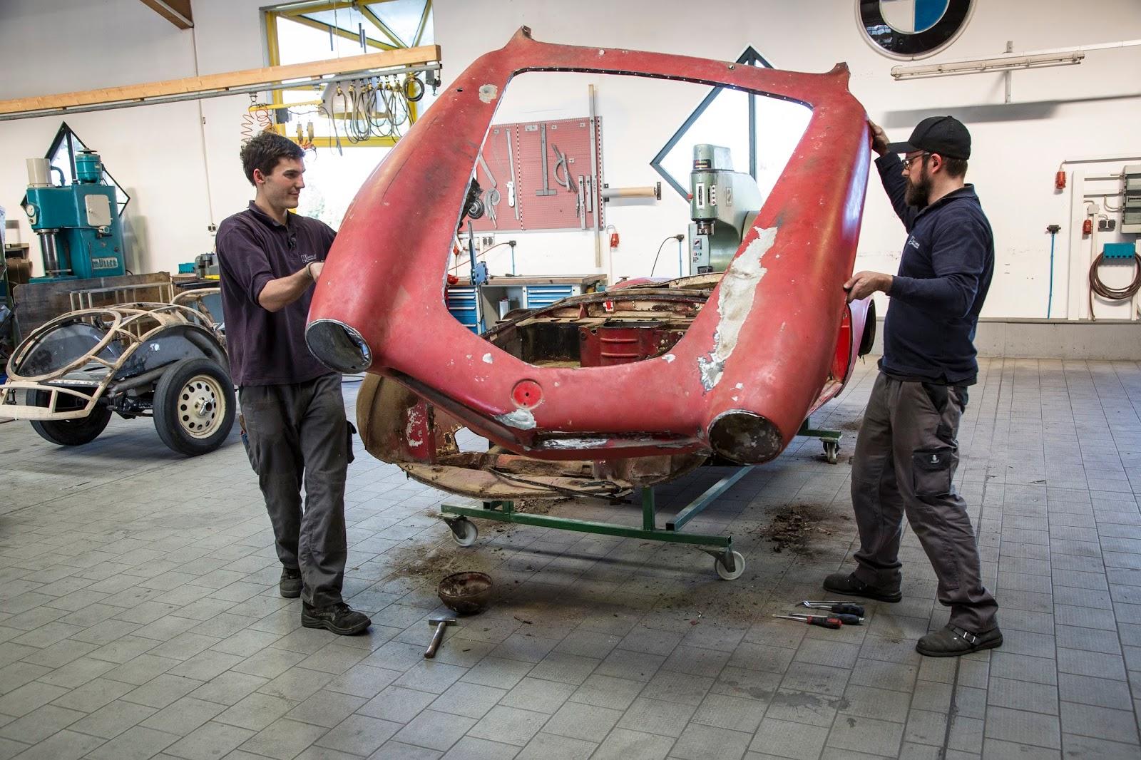 P90229710 highRes restoration of elvis 1 Η επιστροφή της μυθικής BMW 507 του Elvis στο Concours d'Elegance, Pebble Beach autoshow, BMW, BMW 507, Classic, Concours d'Elegance, Roadster, zblog