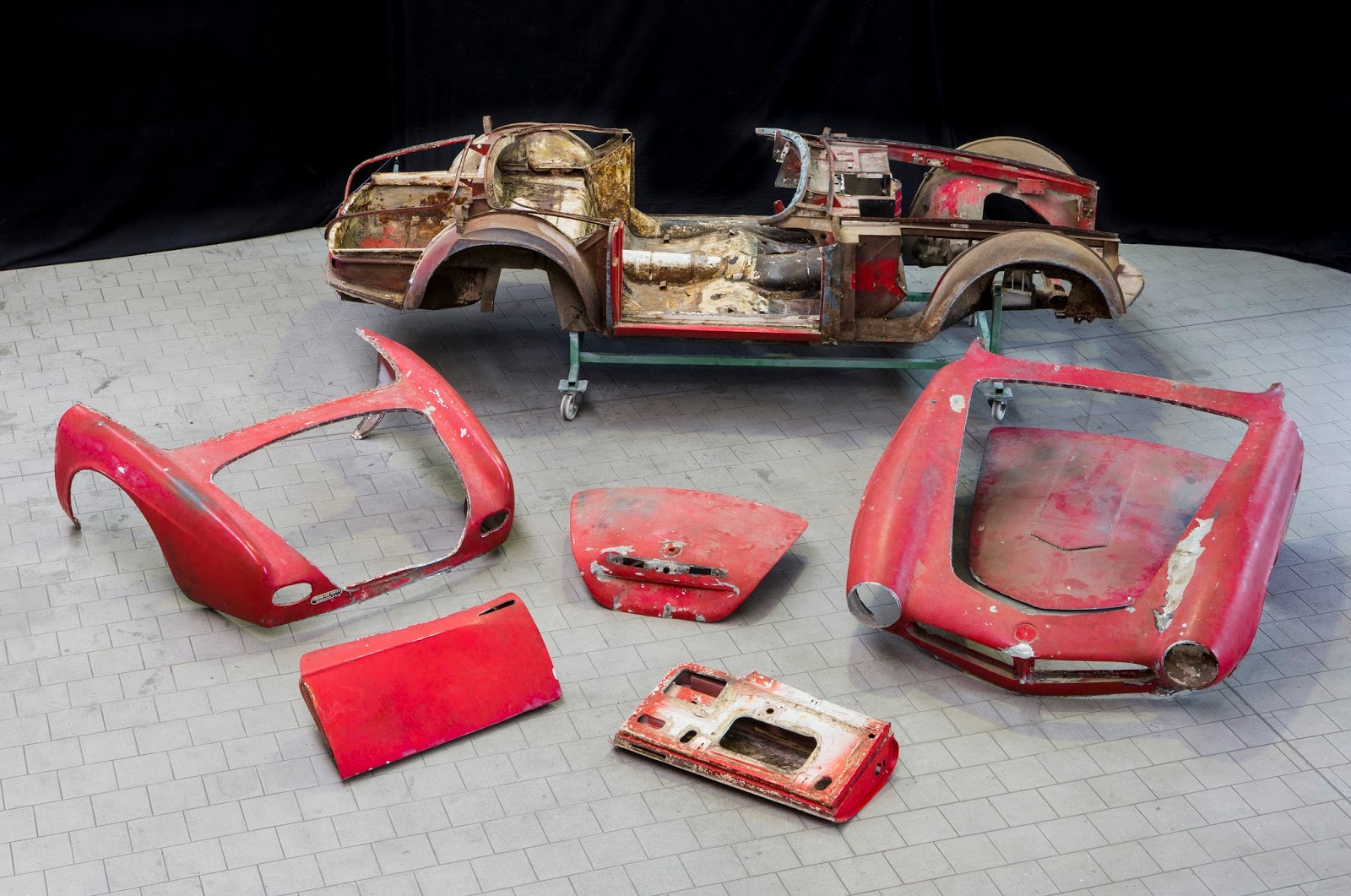 P90229711 highRes restoration of elvis 1 Η επιστροφή της μυθικής BMW 507 του Elvis στο Concours d'Elegance, Pebble Beach autoshow, BMW, BMW 507, Classic, Concours d'Elegance, Roadster, zblog