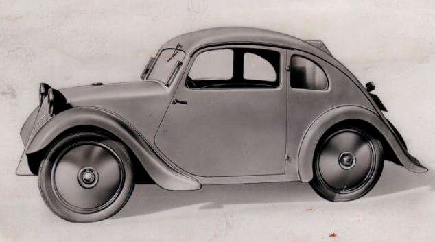 article 2086663 0F78BF1500000578 Η μέρα που γεννήθηκε ο Porsche Classic, Porsche, VW Beetle, zblog, Προσωπικότητες