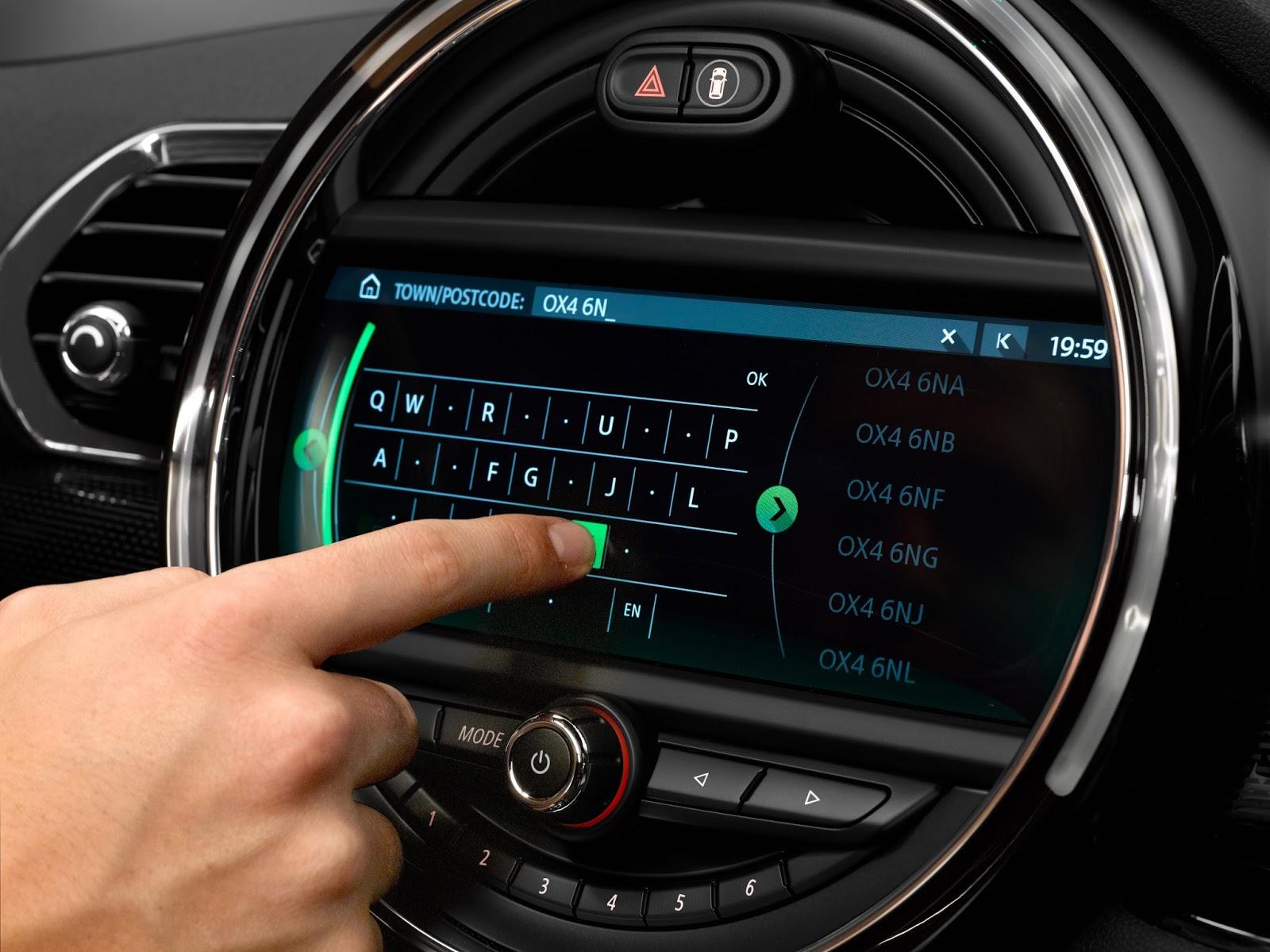P90232856 highRes mini 8 8 touchscreen Το νέο MINI John Cooper Works Clubman Mini, Mini John Cooper Works, MINI John Cooper Works Clubman, videos