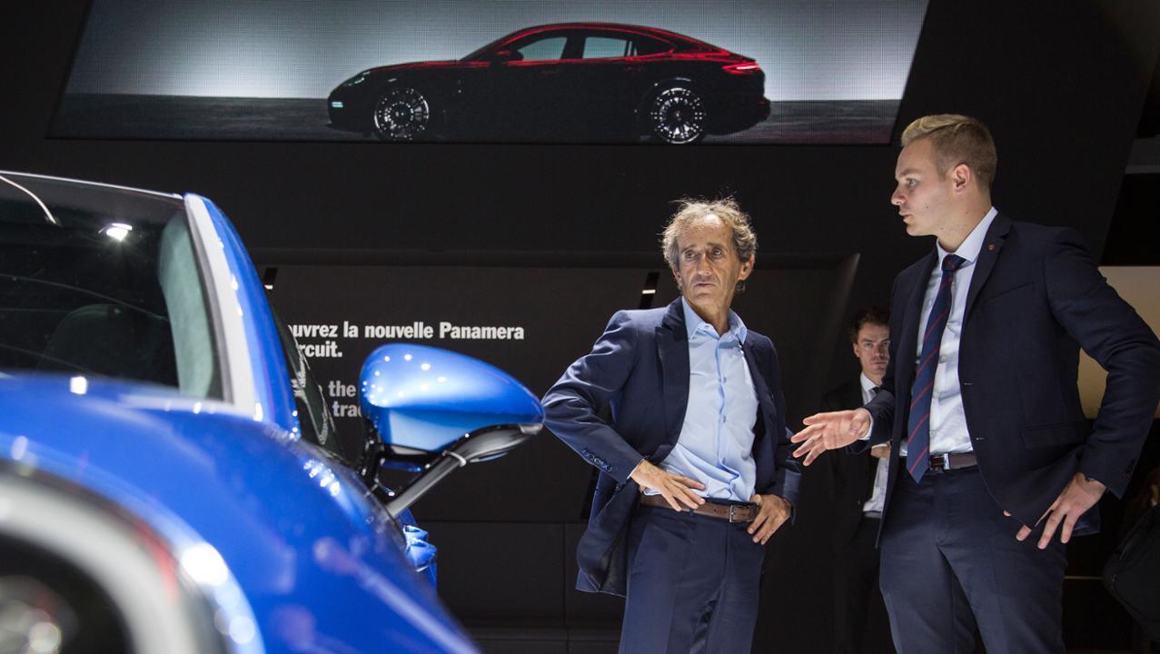 gallery 2 Πρεμιέρα για την υβριδική έκδοση της Panamera και την 911 GT3 Cup στο Παρίσι Porsche, Porsche 911 GT3 Cup, Porsche Panamera, Porsche Panamera 4 E-Hybrid, videos