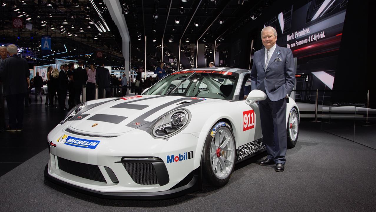 gallery 3 Πρεμιέρα για την υβριδική έκδοση της Panamera και την 911 GT3 Cup στο Παρίσι Porsche, Porsche 911 GT3 Cup, Porsche Panamera, Porsche Panamera 4 E-Hybrid, videos