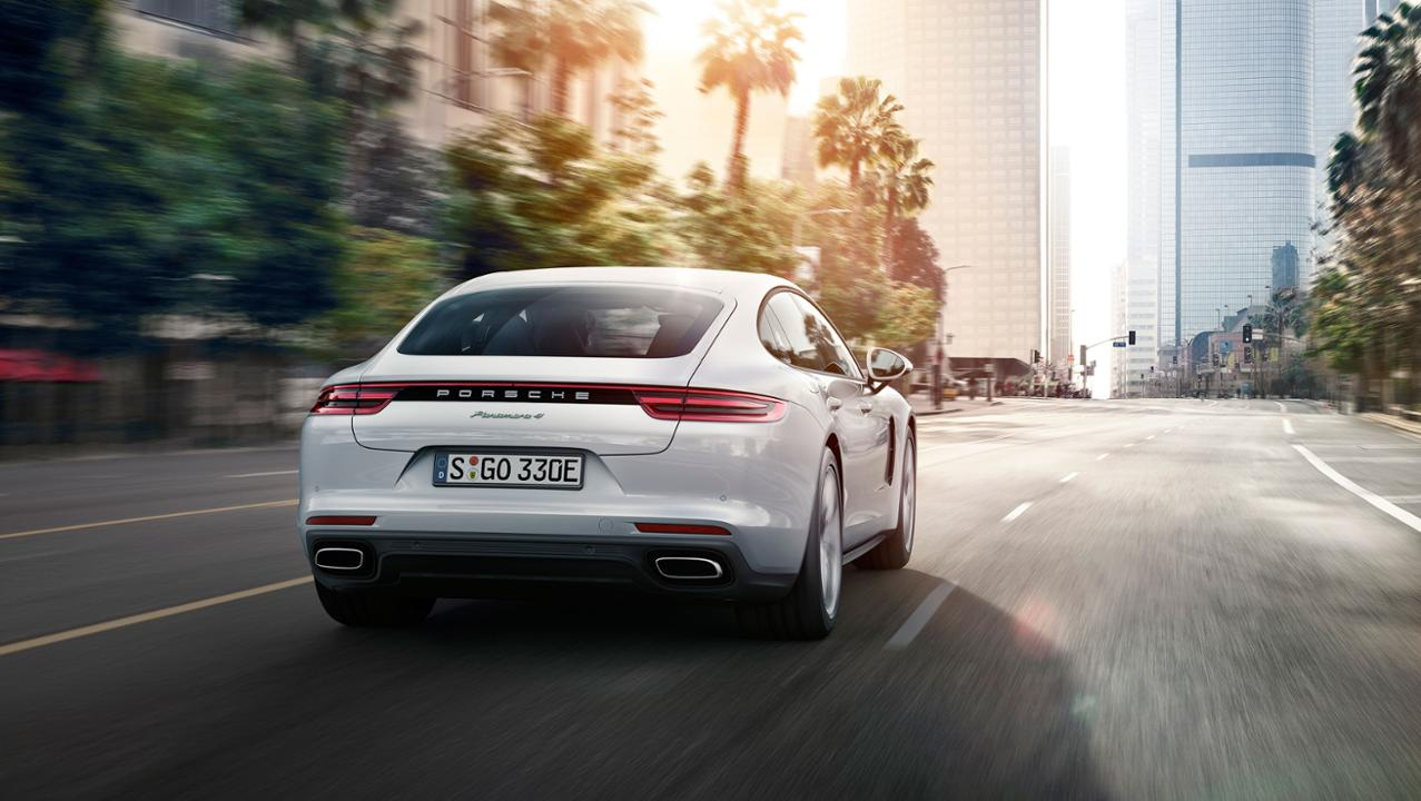 low panamera 4 e hybrid 2016 porsche ag2B252842529 Πρεμιέρα για την υβριδική έκδοση της Panamera και την 911 GT3 Cup στο Παρίσι Porsche, Porsche 911 GT3 Cup, Porsche Panamera, Porsche Panamera 4 E-Hybrid, videos