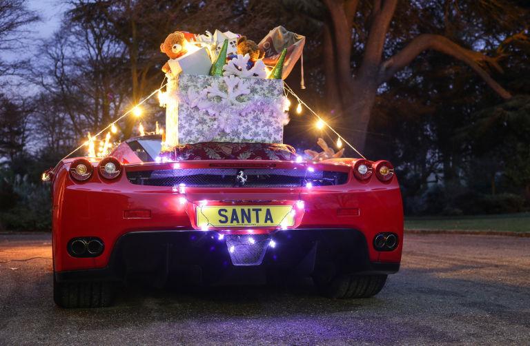 3 Οι ευχές μας, οι τάρανδοι και η Ferrari του Αη Βασίλη Ferrari, ferrari Enzo, video, videos, zblog, Αη Βασίλης