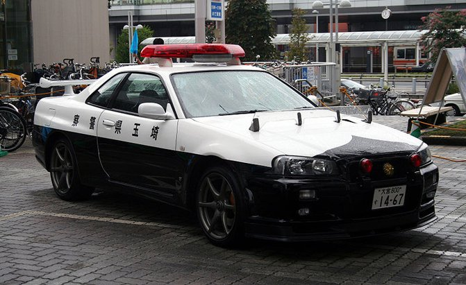 SkylineR34 GTR police car Κι όμως, το R34 της ιαπωνικής αστυνομίας, είναι ακόμα ενεργό! Fun, Nissan, Nissan Skyline, video, videos, zblog