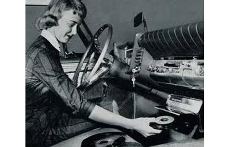 chrysler phonograph 10 συν 1 εφευρέσεις που λείπουν από τα αμάξια μας Fun, zblog, αυτοκίνητα, μεταχειρισμένα, παλιά, Τεχνολογία