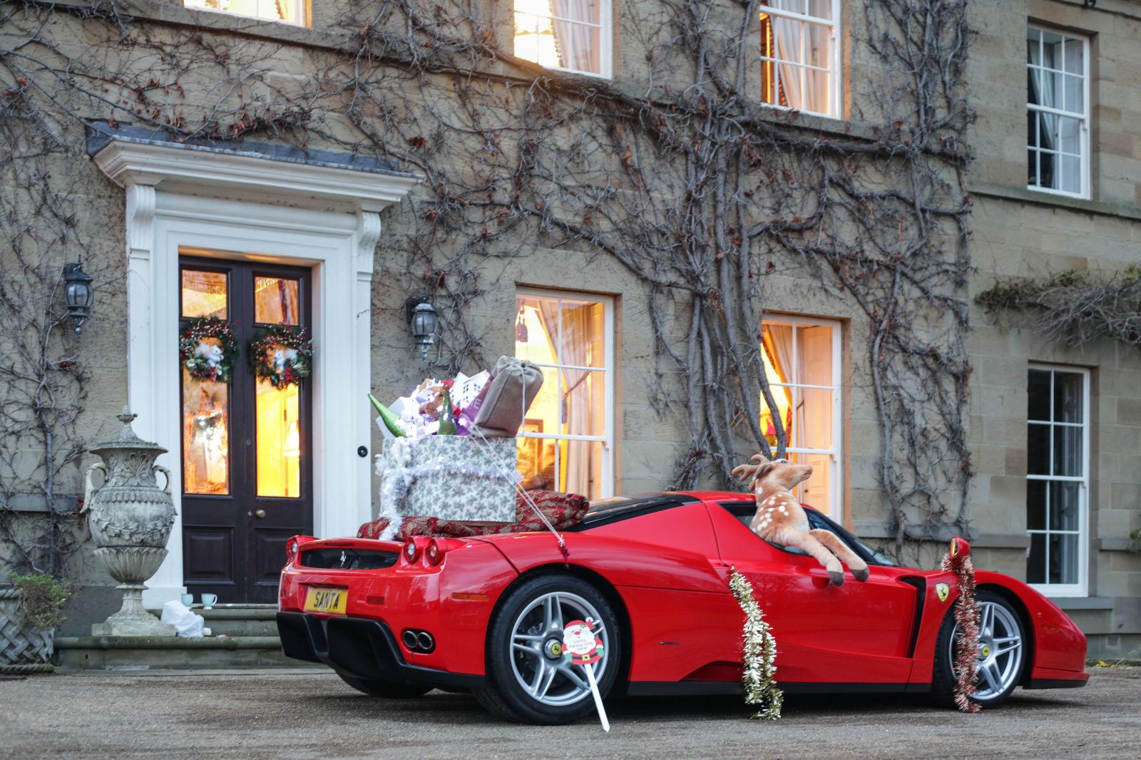 Οι ευχές μας, οι τάρανδοι και η Ferrari του Αη Βασίλη Ferrari, ferrari Enzo, video, videos, zblog, Αη Βασίλης