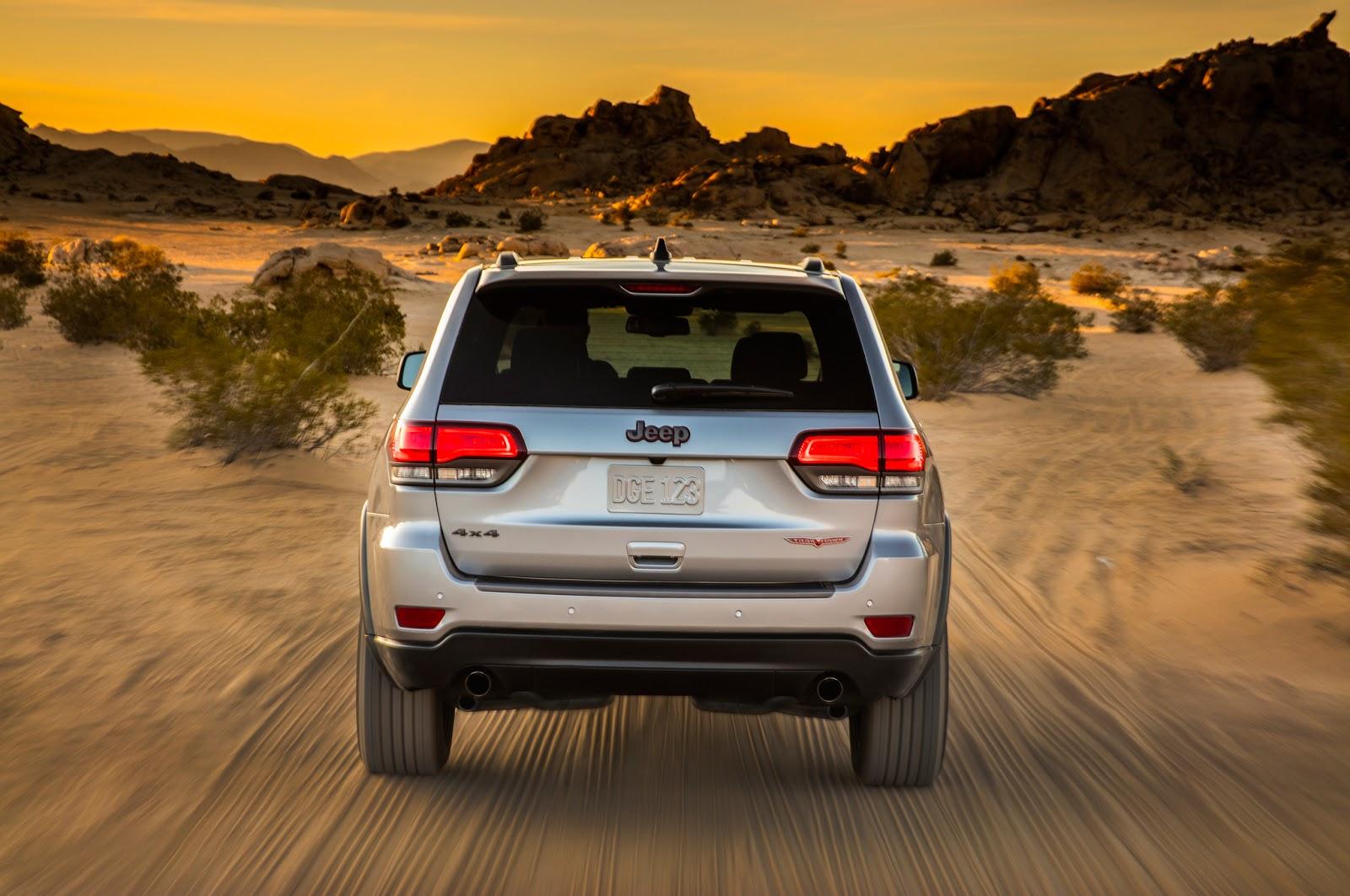 2017 Jeep Grand Cherokee Trailhawk rear end in motion Το επόμενο Grand Cherokee θα βασίζεται στη Giulia!