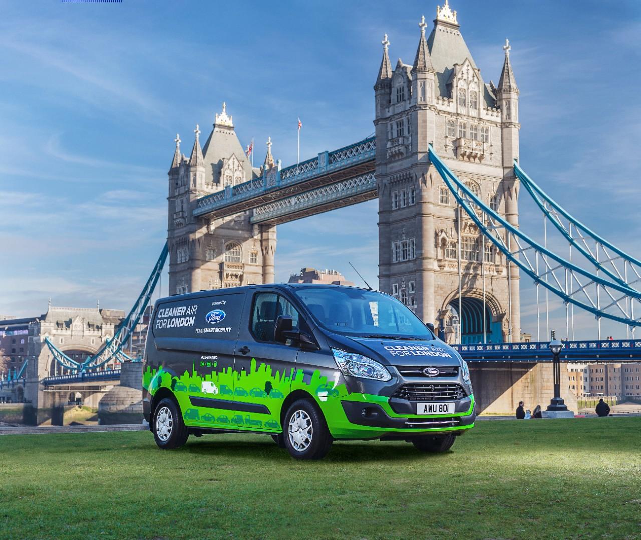 Ford Transit PHEV 4 1 Η Ford και το Λονδίνο ενώνουν τις δυνάμεις τους, για τη βελτίωση της ποιότητας του ατμοσφαιρικού αέρα! Electric cars, Ford, Ford Transit, Ford Transit Custom, Περιβάλλον