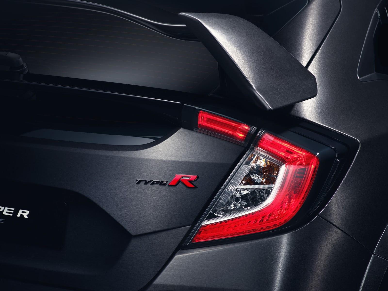 78613 New Civic Type R Prototype breaks cover in Paris