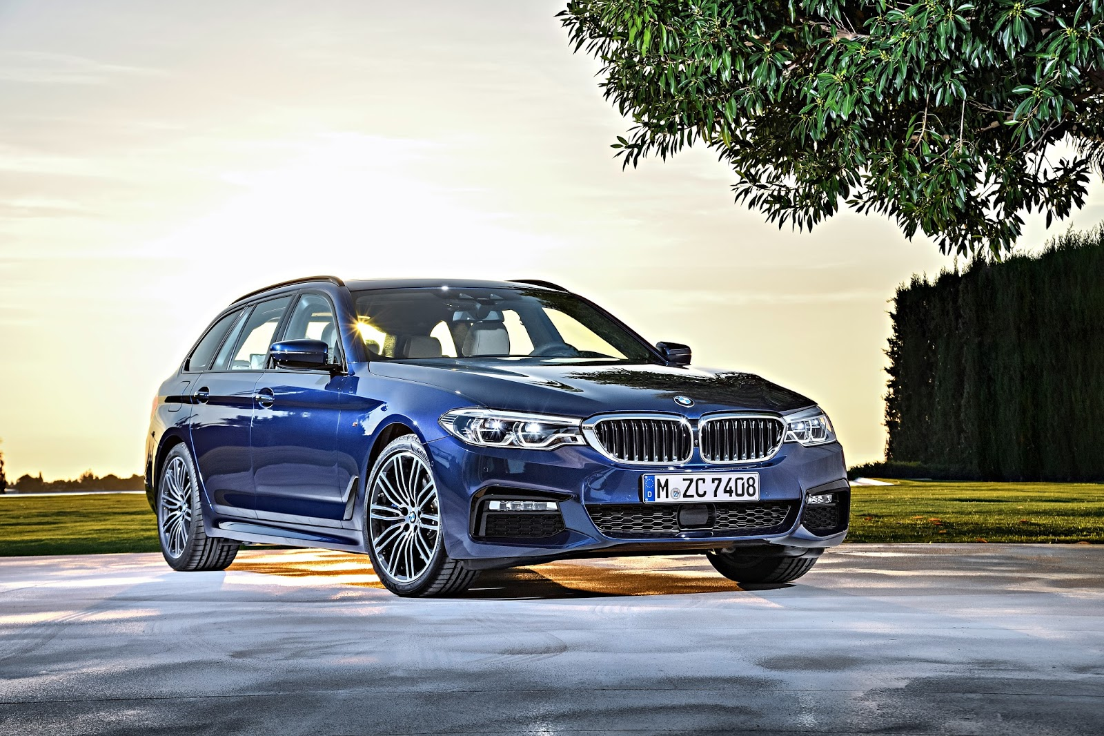 P90245023 highRes the new bmw 5 series 1