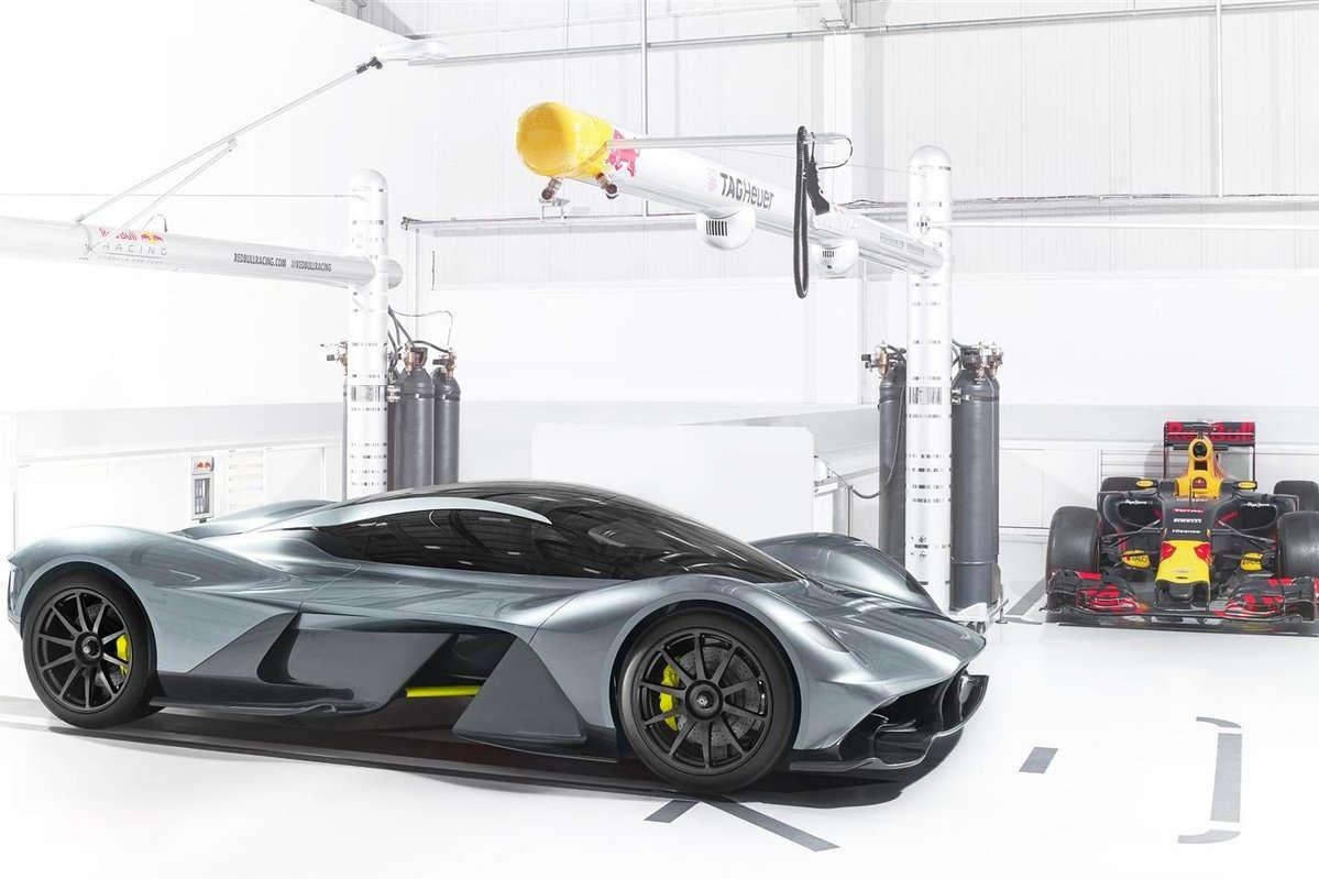 25CE25B7 aston martin valkyrie1 Γνώρισε τη Θεά Aston Martin Valkyrie! Aston Martin, Aston Martin Valkyrie, Hybrid, hypercar, Limited edition, Red Bull, supercars