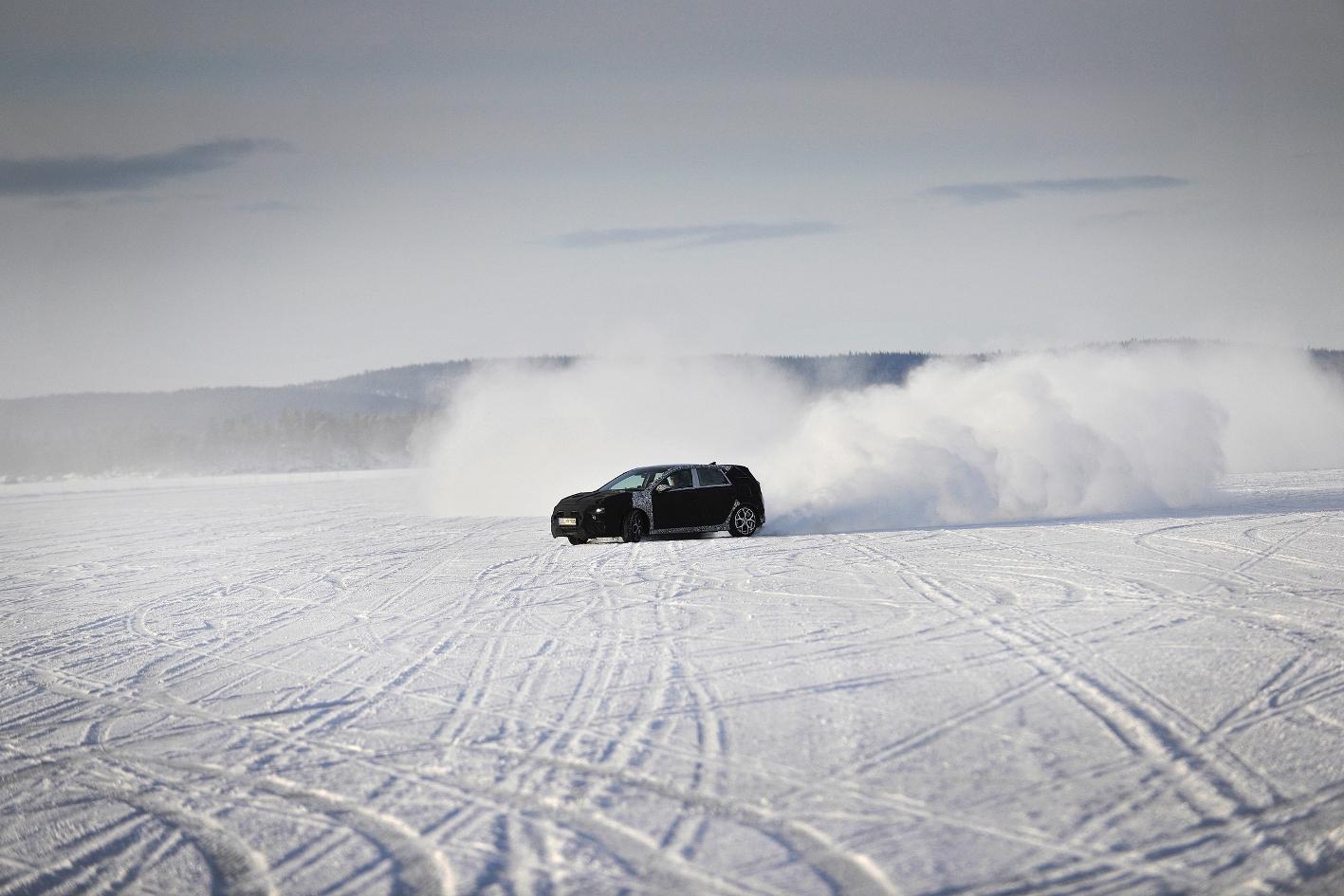 Hyundai2Bi302BN2BWinter2BTesting2BSweden 3 Δες τις δοκιμές του Hyundai i30Ν σε μια παγωμένη λίμνη Hyundai, Hyundai i30, hyundai i30n, Hyundai N, Hyundai Ελλάς, video, videos, zblog, βίντεο