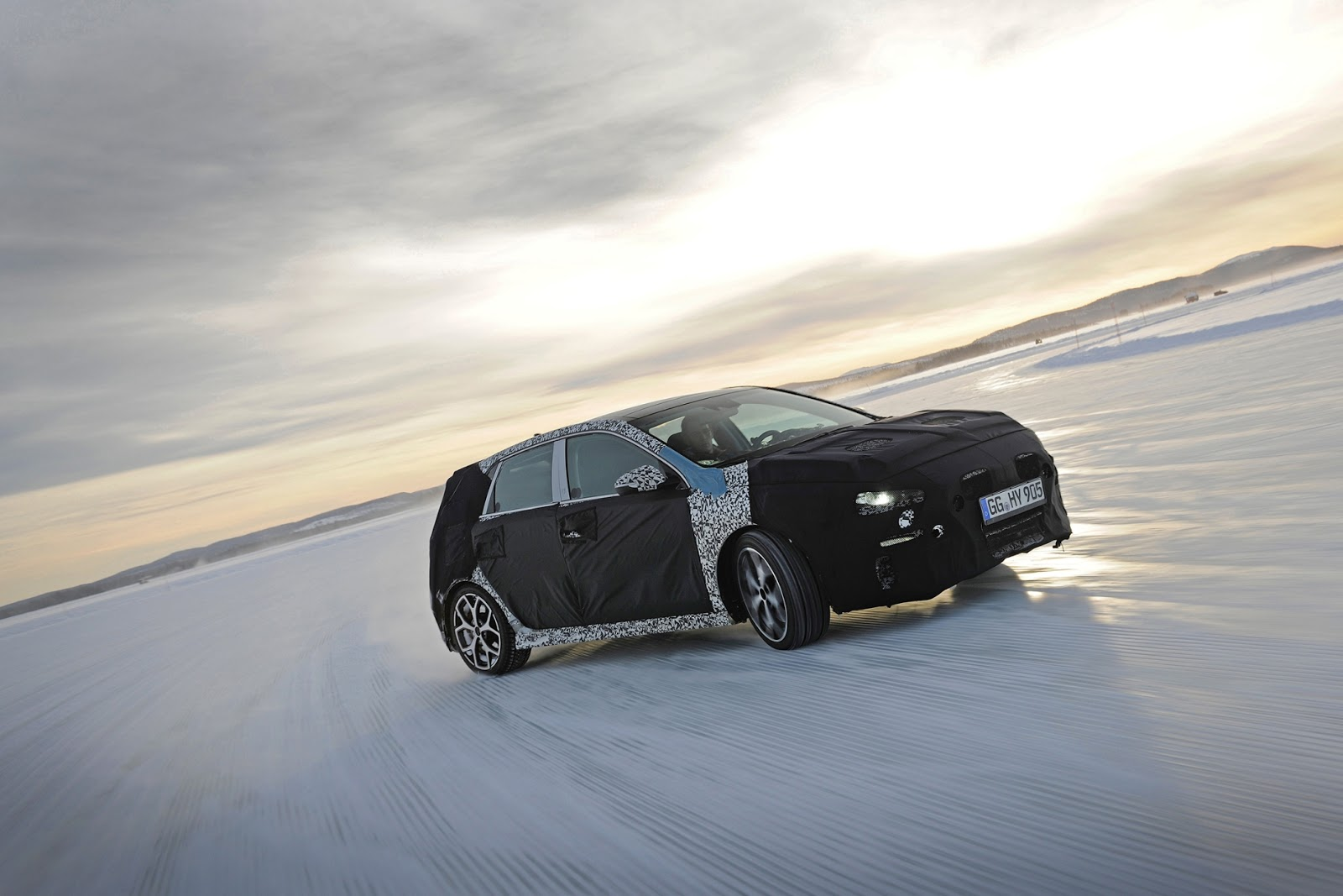 Hyundai2Bi302BN2BWinter2BTesting2BSweden 2 Δες τις δοκιμές του Hyundai i30Ν σε μια παγωμένη λίμνη Hyundai, Hyundai i30, hyundai i30n, Hyundai N, Hyundai Ελλάς, video, videos, zblog, βίντεο
