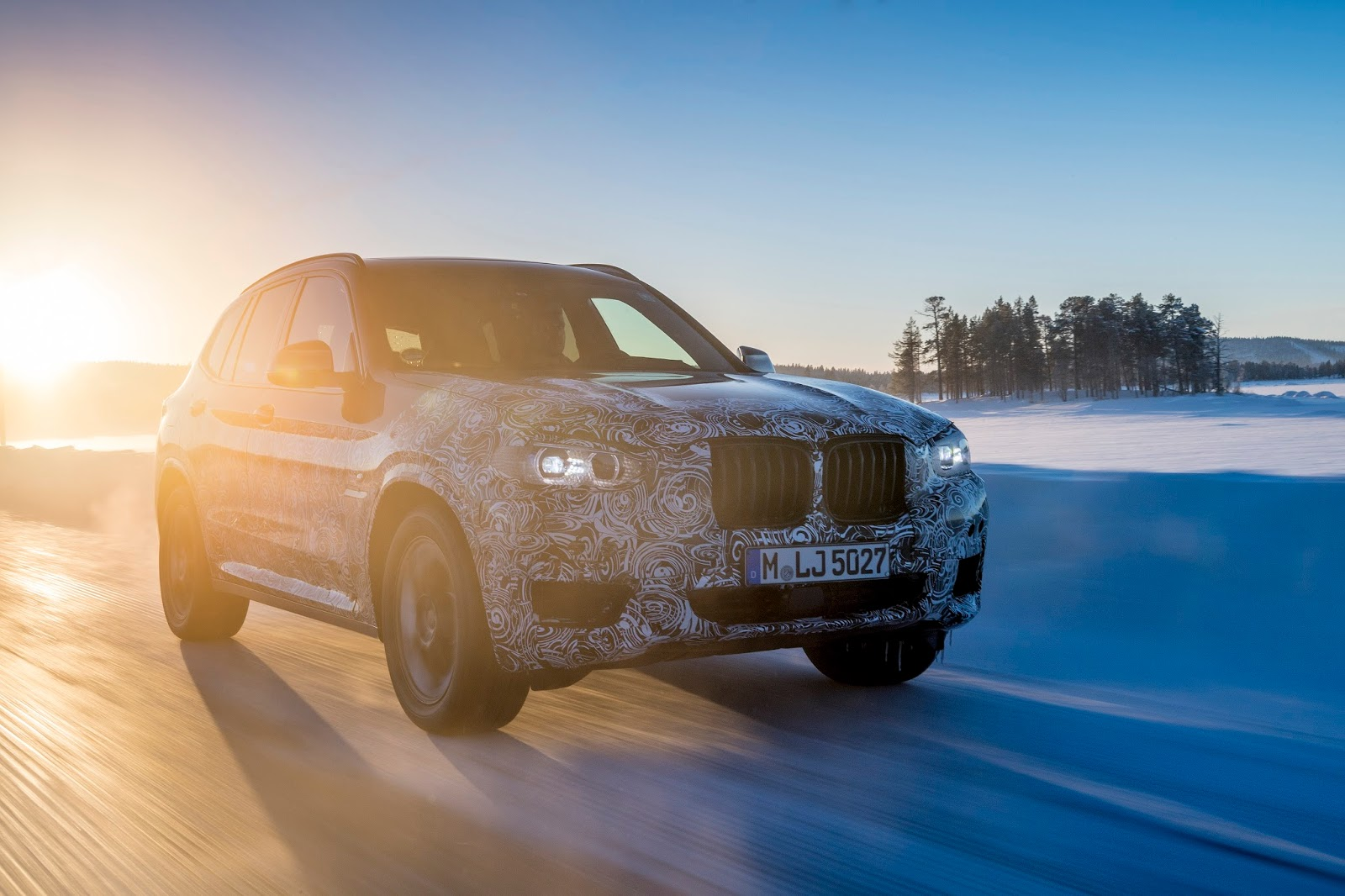 P90249809 highRes the new bmw x3 under Δοκιμές στην παγωμένη Βόρεια Σουηδία, για την επερχόμενη BMW X3 BMW, BMW X, BMW X3, SUV, videos