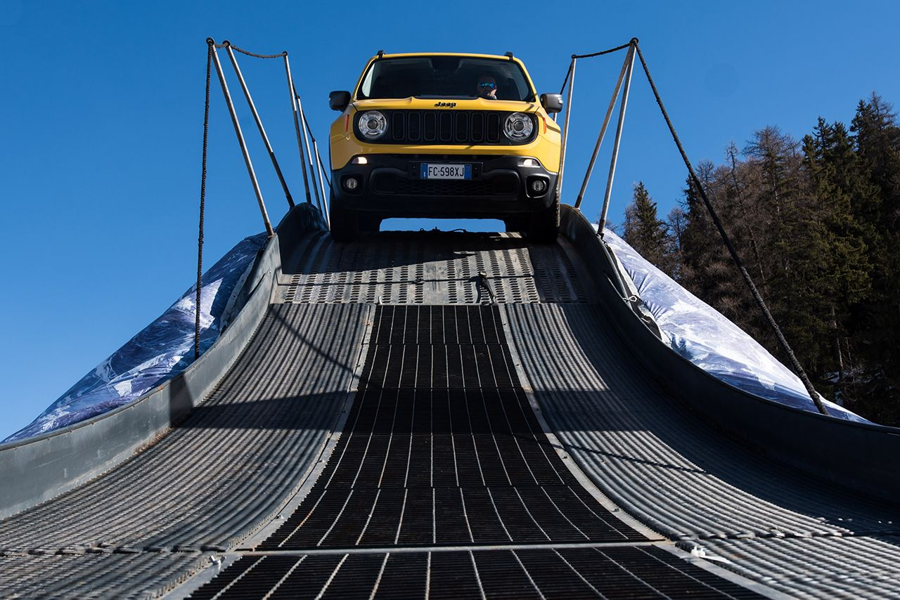 170303 Jeep Xmasters 03 Jeep Renegade και Jeep Wrangler : Τα αγαπημένα SUV και 4X4 των Γερμανών Awards, Jeep, Jeep Renegade, Jeep Wrangler, Offroad