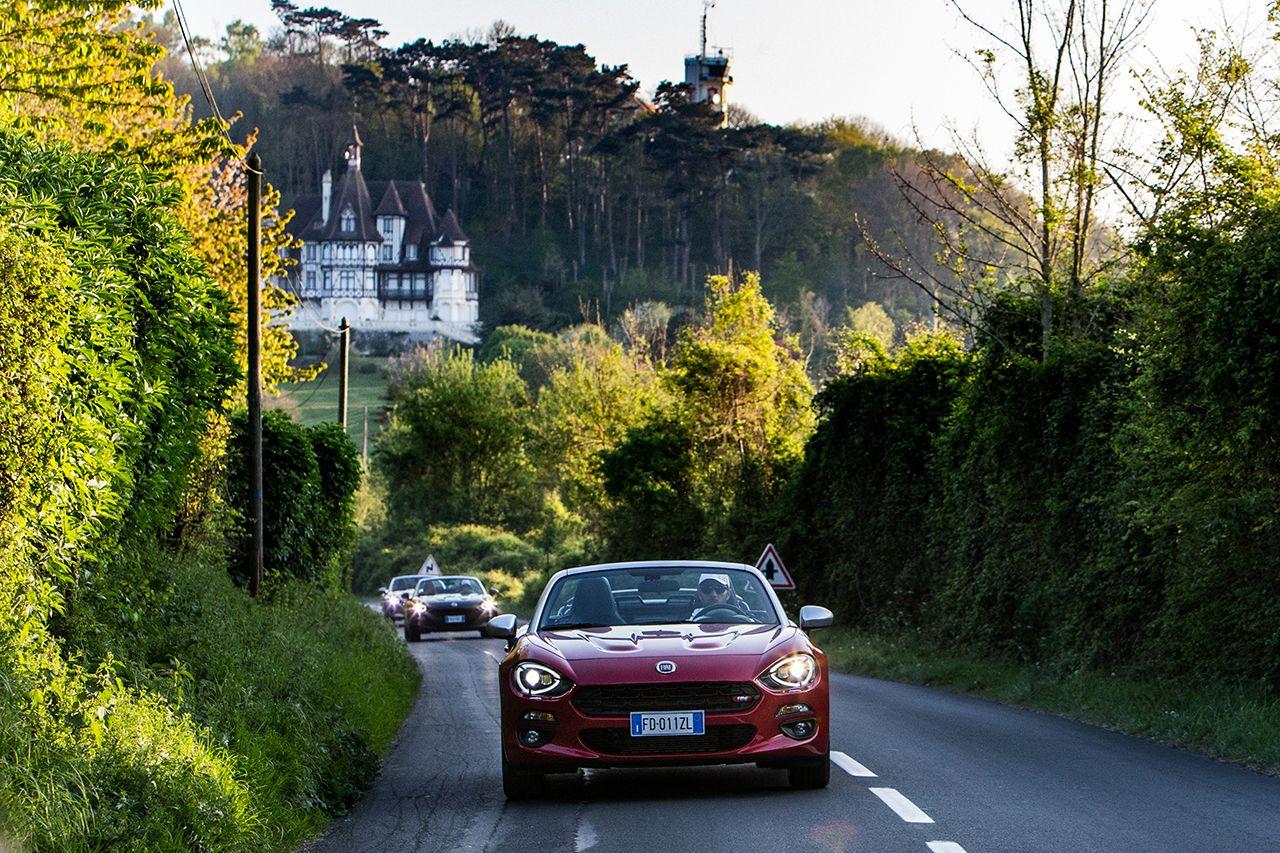 170424 Fiat 124 Spider sweeps France 05 2 Ταξιδεύοντας με Fiat 124 Spider στις ομορφιές της Ευρώπης Fiat, fiat 124 spider, Fun, Roadtrip, zblog, Ταξίδι