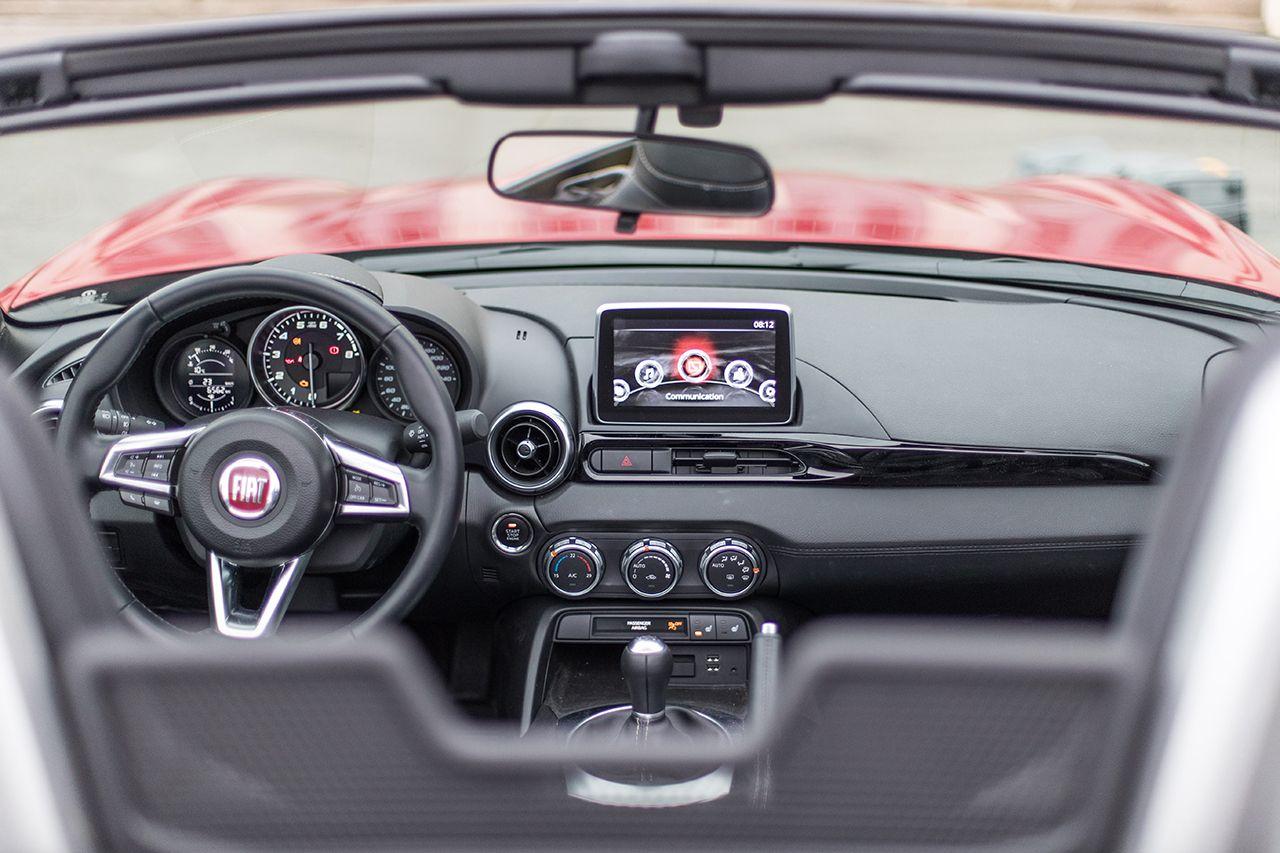 170424 Fiat 124 Spider sweeps France 36 1 Ταξιδεύοντας με Fiat 124 Spider στις ομορφιές της Ευρώπης Fiat, fiat 124 spider, Fun, Roadtrip, zblog, Ταξίδι