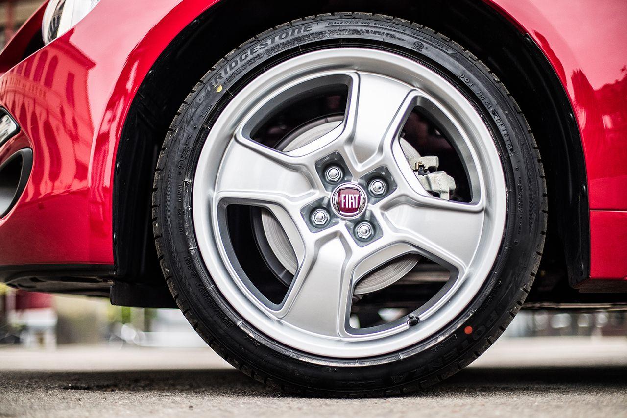 170424 Fiat 124 Spider sweeps France 37 1 Ταξιδεύοντας με Fiat 124 Spider στις ομορφιές της Ευρώπης Fiat, fiat 124 spider, Fun, Roadtrip, zblog, Ταξίδι