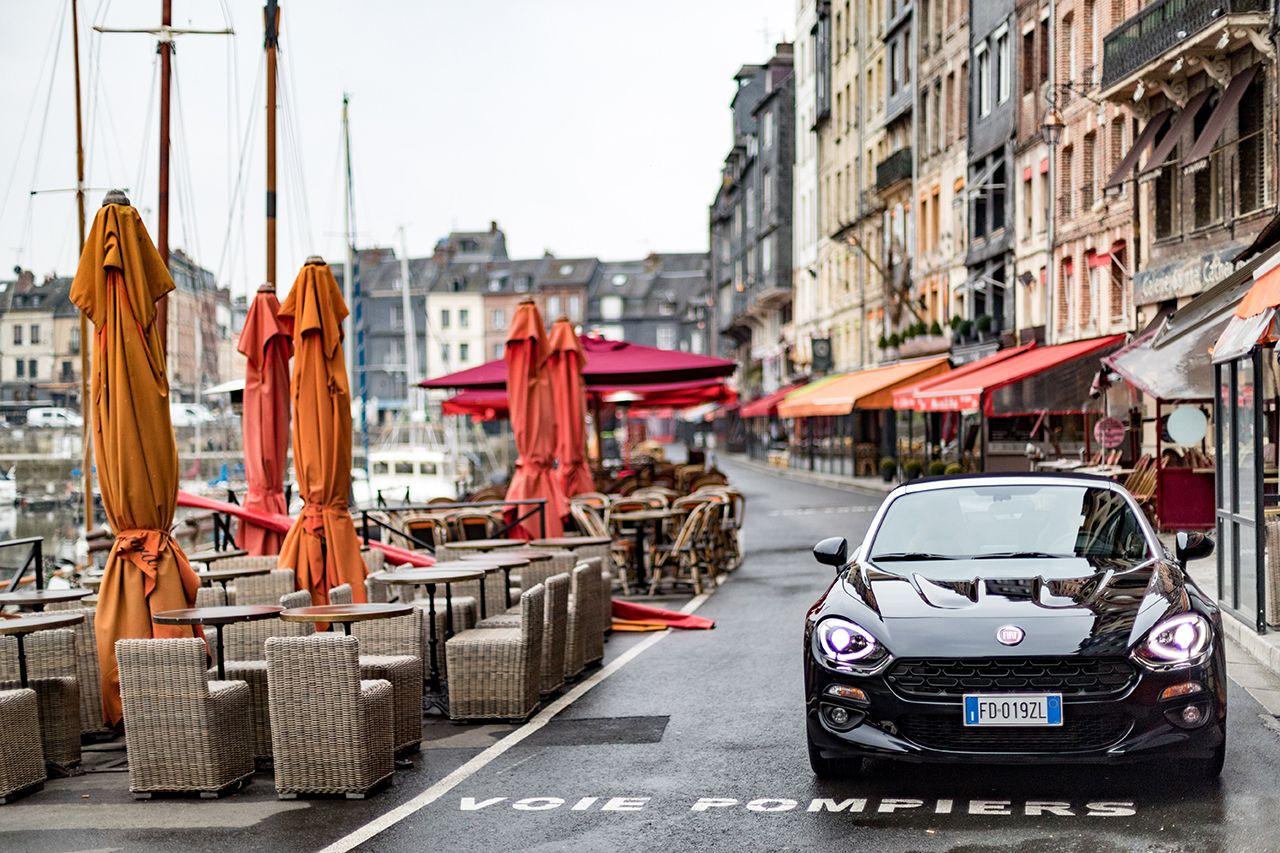 170424 Fiat 124 Spider sweeps France 41 1 Ταξιδεύοντας με Fiat 124 Spider στις ομορφιές της Ευρώπης Fiat, fiat 124 spider, Fun, Roadtrip, zblog, Ταξίδι