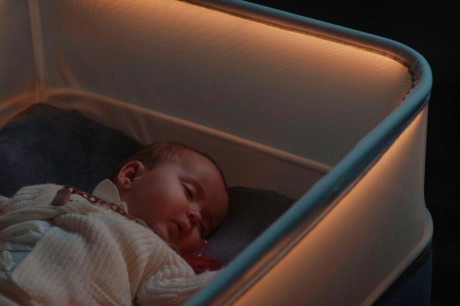 Ford MotoDreams 04 H έξυπνη κούνια που κοιμίζει τα μωρά! baby, baby in a car, Ford, Fun, woman, Τεχνολογία
