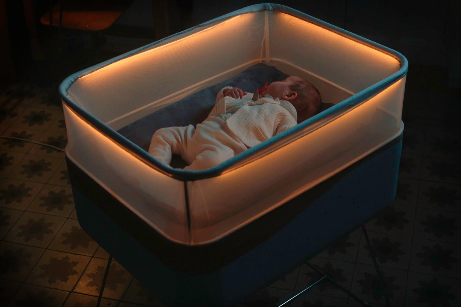 Ford MotoDreams 12 H έξυπνη κούνια που κοιμίζει τα μωρά! baby, baby in a car, Ford, Fun, woman, Τεχνολογία