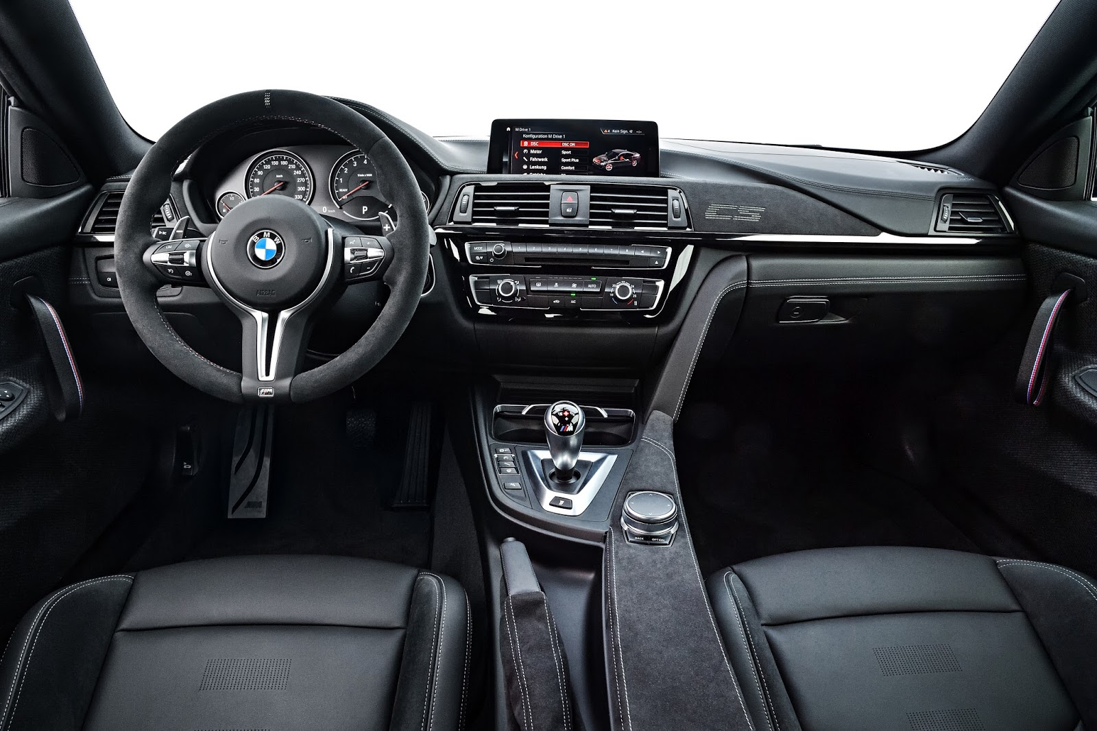 P90251058 highRes the new bmw m4 cs 04 Η περιορισμένης παραγωγής BMW M4 ClubSport δική σας με 116.900 ευρώ BMW, BMW M, BMW M4, BMW M4 CS, BMW Motorsport, clubsport, COUPE, Limited edition, supercars, supersport, videos, Περιορισμένης παραγωγής