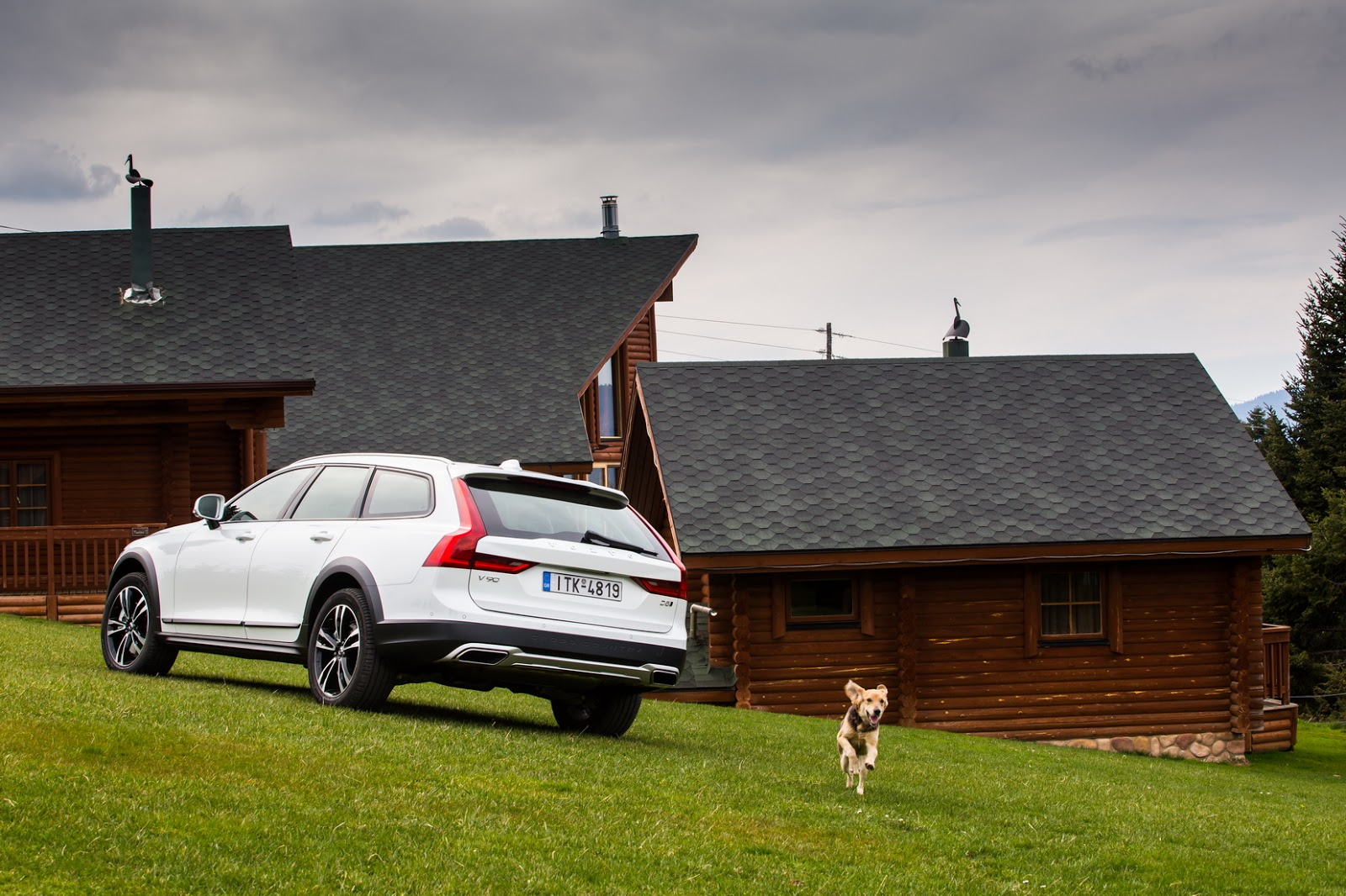 V902BCROSS2BCOUNTRY2B18 1 Το Volvo V90 Cross Country απευθύνεται σε ανήσυχους εξερευνητές της περιπέτειας! Crossover, Volvo, Volvo Car Hellas, Volvo Cars, Volvo V70 XC, Volvo V90 Cross Country, Volvo XC70