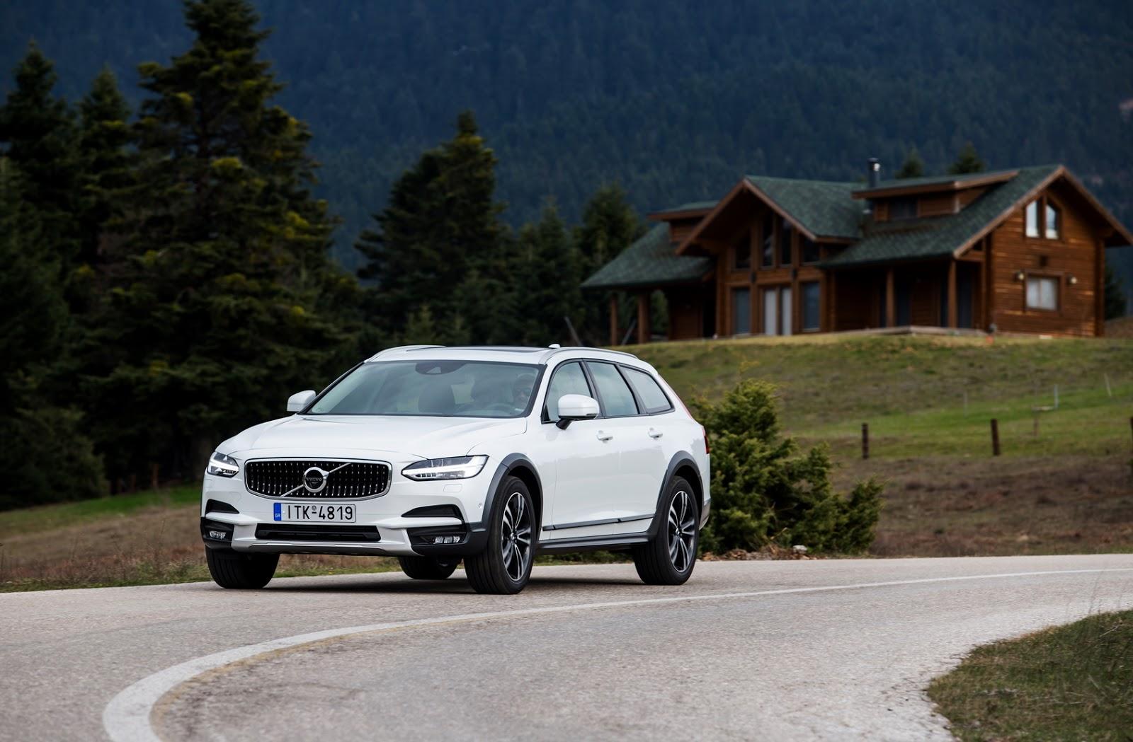 V902BCROSS2BCOUNTRY2B24 Το Volvo V90 Cross Country απευθύνεται σε ανήσυχους εξερευνητές της περιπέτειας! Crossover, Volvo, Volvo Car Hellas, Volvo Cars, Volvo V70 XC, Volvo V90 Cross Country, Volvo XC70