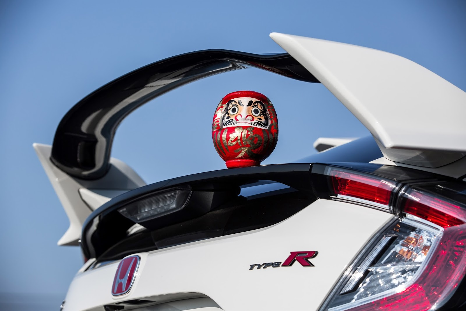 106410 2017 HONDA CIVIC TYPE R SETS NEW FRONT WHEEL DRIVE LAP RECORD AT Το Honda Civic Type-R ανέκτησε το στέμμα του, στην πίστα του Nurburgring Honda, Honda Civic, Honda Civic Type R, Hot Hatch, lap time, Nurburgring, videos, zblog