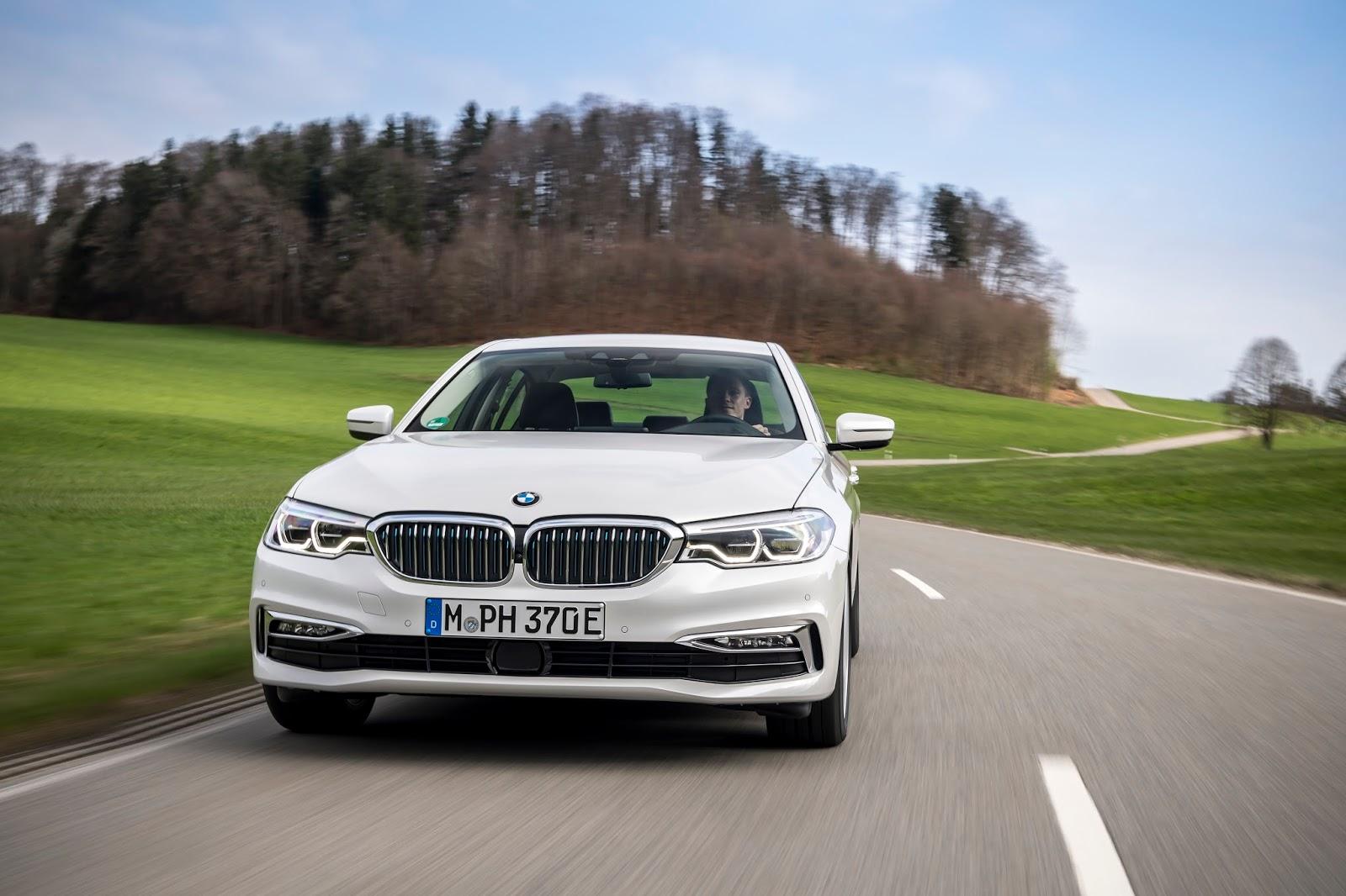 P90256349 highRes the new bmw 530e ipe Η BMW 530e iPerformance φέρνει την ηλεκτρική επανάσταση BMW, BMW 5, BMW 530e iPerformance, Electric cars, Hybrid, Λανσάρισμα
